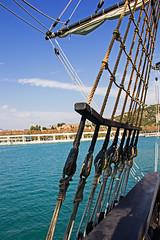 Vestigios del pasado: #EXPLORE 294# (2017.02.21) (JARCOR2012) Tags: jarcor2012 españa andalucía málaga puerto darsena alcazaba nao escala