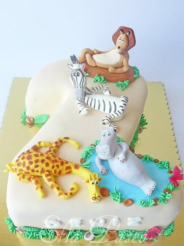 Madagascar cake 3