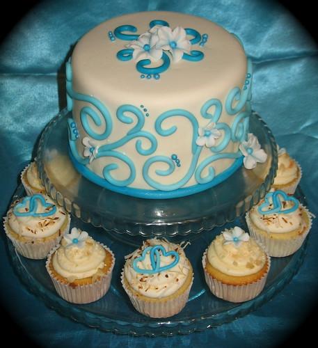 swirl/flower engagement cake
