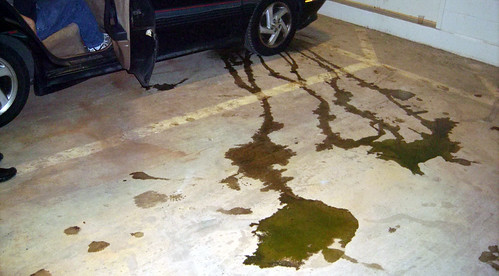 20090620 - Artomatic - GEDC0129 - Carolyn's car's coolant casualty