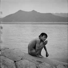 Swimmer ( Yanming ) Tags: china bw 120 rolleiflex yanming tx400
