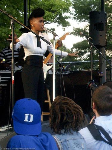 07.06.09 Janelle Monáe @ Brooklyn Afro-Punk Fest (43)