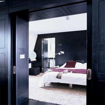 black wall5