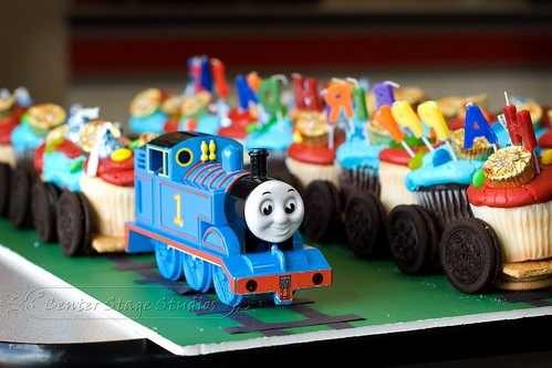 Thomas The Tank Engine Cupcake Train A Photo On Flickriver