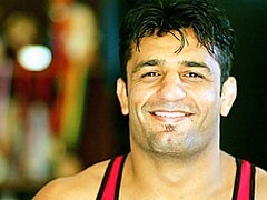 indian wrestler (Raj's Wrestling) Tags: park boss eye training neck fun soldier pull foot washington referee war european fighter play power arm head muscle wrestling military teeth united leg over hard twist crotch victory mat thigh national ko ear winner knockout match strong leader push wrestler strength states coaching olympic fighting forehead combat knee ankle gym tough turkish bicep strongman caulifower singlet oympic victorious grappling borba semitic brydning gures worstelaar bryting birkozas