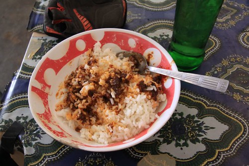 Rice with stew - a fine lunch at 0.30 USD.