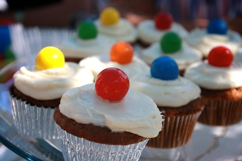 carrot cake cupcakes with bubble gum on top