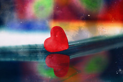 (NouraAlkubaisi.) Tags: red macro texture colors by canon lens eos all heart d 100mm ef  noura  cuteheart 450d