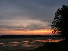 Sunset from bank 2 (sfgamchick) Tags: statepark sunset river mississippiriver greatriverroad illinoisstatepark mississippipalisades mississippipalisadesstatepark