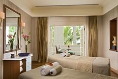アフタヌーンティーで人気のホテル ラッフルズホテル