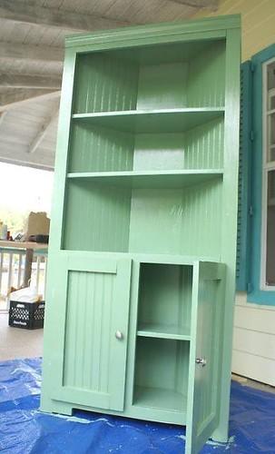 corner hutch