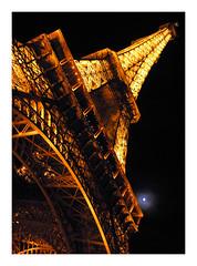 paris, la tour eiffel (erdballwelle) Tags: moon paris latoureiffel