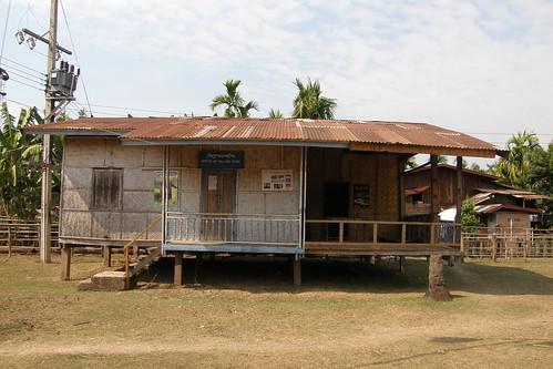 102.Don Daeng島上的房子都墊高