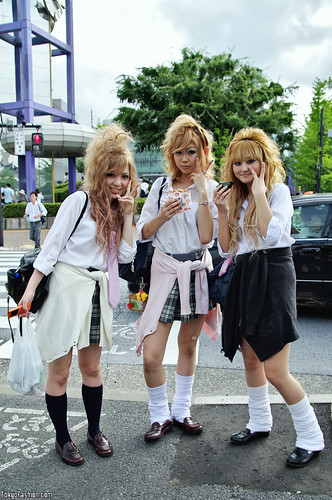 Blonde Japanese Schoolgirls by tokyofashion.