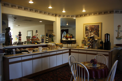 The Lighthouse Inn Breakfast Bar
