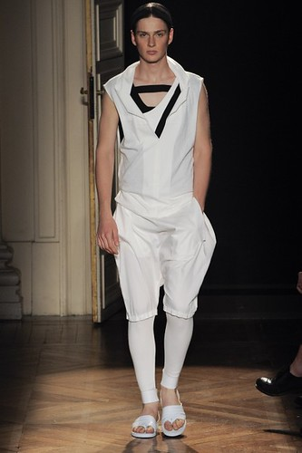 Lucas Mascarini357_SS10_Paris_Songzio