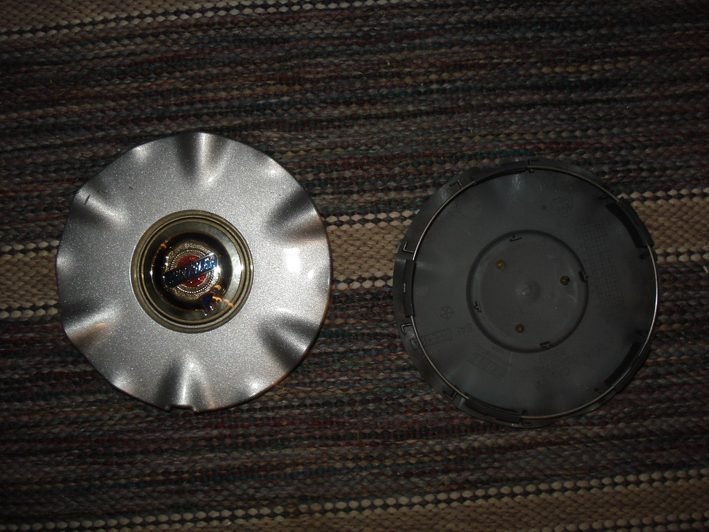 WHEEL CAP SEBRING CHRYSLER ALLOY OEM