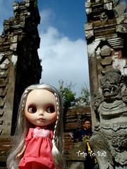 Visit a temple - Tirtha Empul