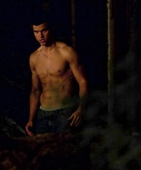 Jacob Black (JB foreverr <3) Tags: hot sexy smile pecs muscles hair movie scary twilight woods funny arms boxers vampire scene cutie haunted hottie mad newmoon workout abs hotness caption stills wold streching werewold jacobblack taylorlaunter