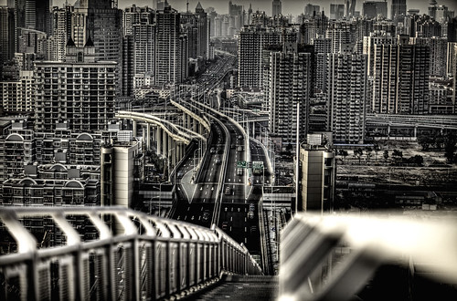 Scared of Shanghai? by @yakobusan Jakob Montrasio 孟亚柯, on Flickr