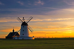 Windmill Sunset (edowds) Tags: sunset england windmill grass october lancashire lytham 2009 5photosaday yourock1st