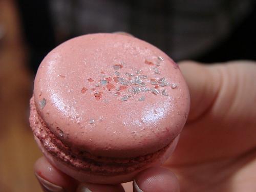 Luxee's Kir Royal Macaron