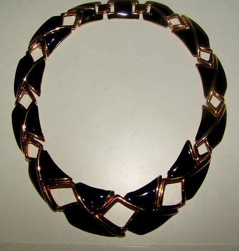 Halsband från Monet