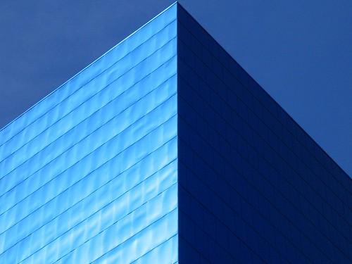 blue toronto art gallery gehry ago artgalleryofontario