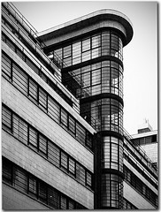 Ibex Building, London (Metropol 21) Tags: building london architecture 1930s unitedkingdom modernism landmark artdeco curved 1937 streamlinemoderne ibexhouse stylepaquebot