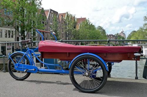 classic-bakfiets-blue-brouwersgracht
