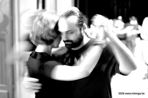 Patio de Tango, Bouche à Oreille