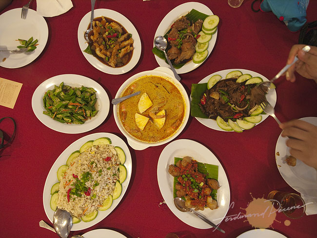 Lunch at Seroni Nyonya Cuisine Restaurant Melaka