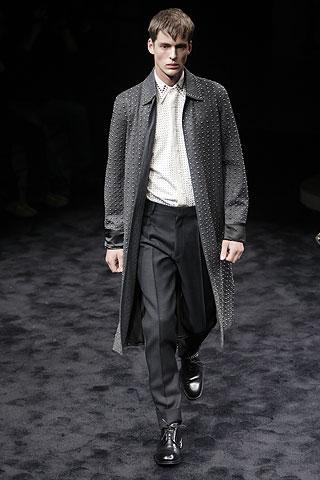 Luiz Afonso Schwab3022_FW09_PRADA(Men Style)