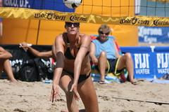 North Ave. Beach Volleyball (dangaken) Tags: chicago northavenuebeach beach beachvolleyball volleyball bikini chicagoil illinois midwest usa unitedstates windycity cityofbroadshoulders chitown canon gaken dangaken dgaken wwwflickrcomdgaken photobydangaken