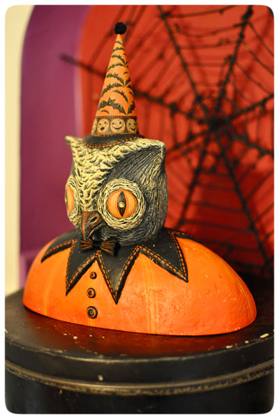 Owl-bust