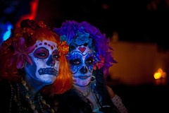 The Girls! (A.C.Thamer) Tags: girls halloween canon dayofthedead diadelosmuertos hollywoodforever skuls thamerphotography acthamer alexthamer