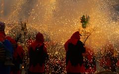 CORREFOC   Petits diables (Andreu Anguera) Tags: barcelona catalunya cataluña correfoc festamajor pólvora diables fum olors andreuanguera mercè09