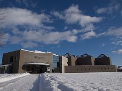 雪と青空の神田日勝記念美術館