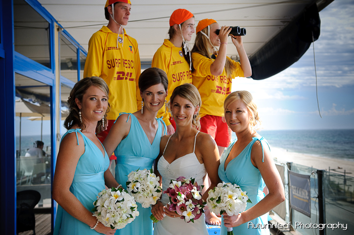 Lea and Todd's Wedding - Posing with the Surf Life Savers