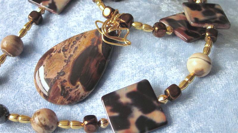 Naga Land Tibet Sacred Stones Amulet Remembering Tibetan Refugees Necklace