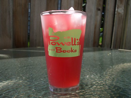pomegranate limeade + powell's happy hour = awesome