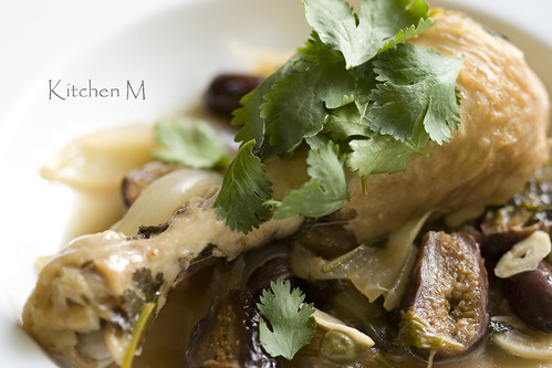 Braised Chicken with Cilantro and Figs
