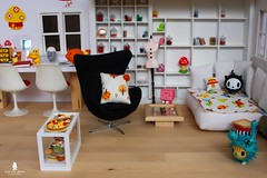 Dollhouse (Marion Klein) Tags: scale fashion toy design miniature chair klein doll egg marion size blythe 16 rement vitra jacobsen dollhouse lati playscale pepperpyne marionbearmaker