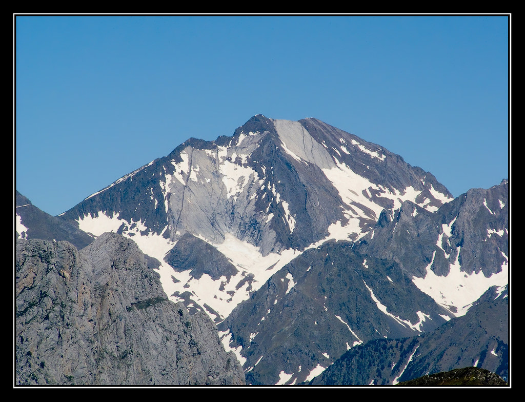 Picos del Infierno desde el Ibón de Espelunziecha
