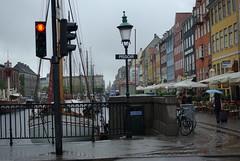(sabine_butterblume) Tags: rain copenhagen denmark cph dänemark kopenhagen regen pissoir nyhaven