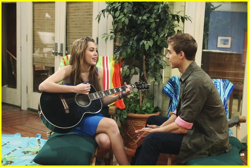 miley-cyrus-cody-linley-one-08