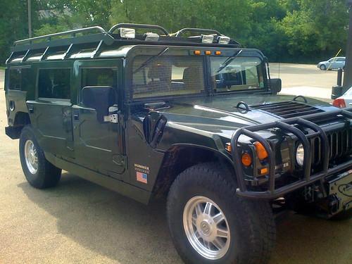 Hummer H1 interior detail (+ quick wash)