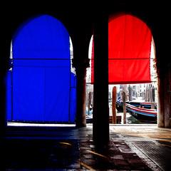 backstage (DanielaNobili) Tags: blue venice red italy boats backstage fishmarket venezia mercatodelpesce mywinners platinumheartaward danielanob