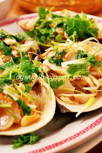 Sliced clams with glass noodles