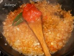 mejillones en salsa marinera-añadir tomate